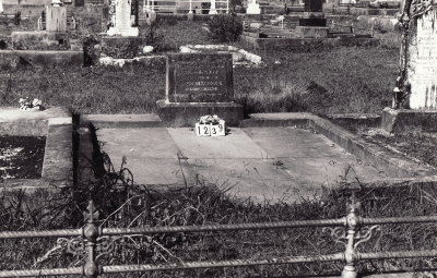 Historic picture of Makaraka cemetery, block MKC, plot 1239.