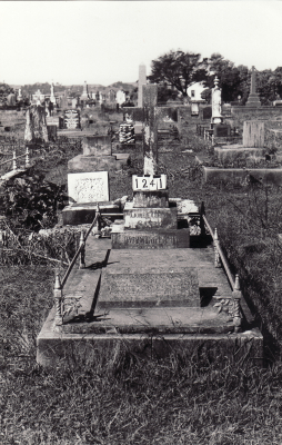 Historic picture of Makaraka cemetery, block MKC, plot 1241.