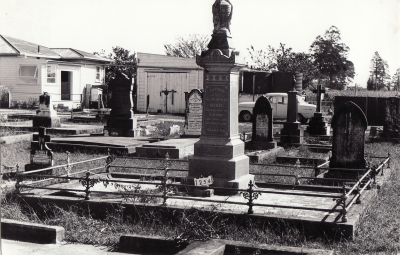 Historic picture of Makaraka cemetery, block MKC, plot 1254.