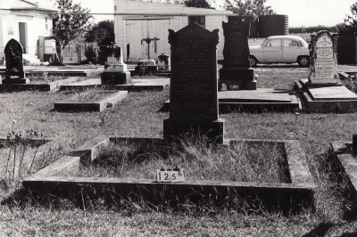 Historic picture of Makaraka cemetery, block MKC, plot 1256.