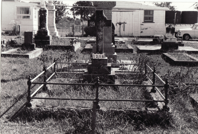 Historic picture of Makaraka cemetery, block MKC, plot 1258.