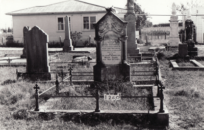 Historic picture of Makaraka cemetery, block MKC, plot 1260.