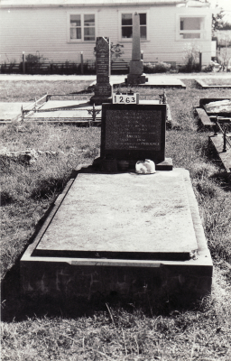 Historic picture of Makaraka cemetery, block MKC, plot 1263.