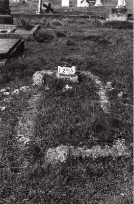 Historic picture of Makaraka cemetery, block MKC, plot 1265.