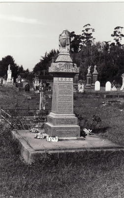 Historic picture of Makaraka cemetery, block MKC, plot 1269.