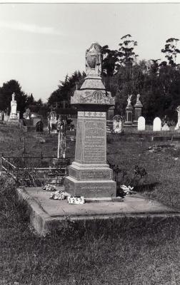 Historic picture of Makaraka cemetery, block MKC, plot 1269.
