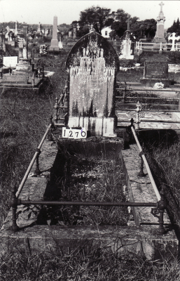 Historic picture of Makaraka cemetery, block MKC, plot 1276.