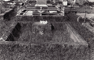 Historic picture of Makaraka cemetery, block MKC, plot 1279.