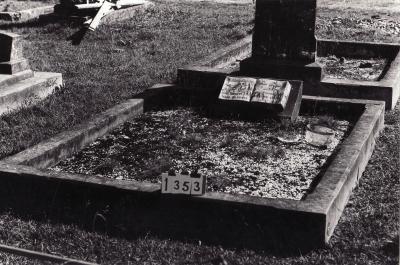 Historic picture of Makaraka cemetery, block MKC, plot 1353.