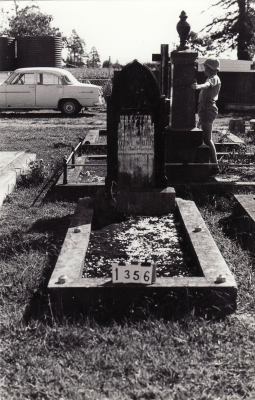 Historic picture of Makaraka cemetery, block MKC, plot 1356.