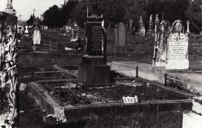 Historic picture of Makaraka cemetery, block MKC, plot 1358.