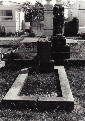 Historic picture of Makaraka cemetery, block MKC, plot 1370.