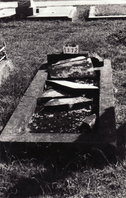 Historic picture of Makaraka cemetery, block MKC, plot 1372.