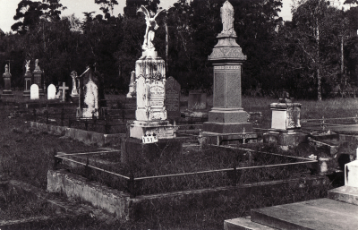 Historic picture of Makaraka cemetery, block MKC, plot 1378.