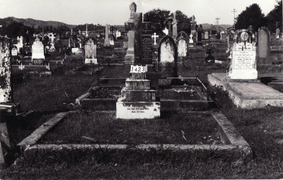 Historic picture of Makaraka cemetery, block MKC, plot 1423.