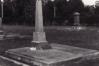 Historic picture of Makaraka cemetery, block MKC, plot 1428.