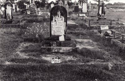 Historic picture of Makaraka cemetery, block MKC, plot 902.