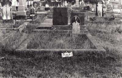 Historic picture of Makaraka cemetery, block MKC, plot 904.