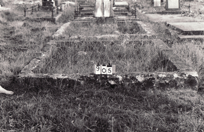 Historic picture of Makaraka cemetery, block MKC, plot 905.