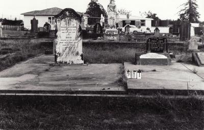 Historic picture of Makaraka cemetery, block MKC, plot 911.