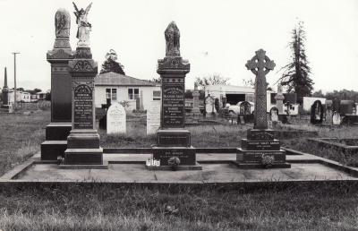 Historic picture of Makaraka cemetery, block MKC, plot 913.