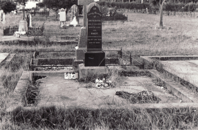 Historic picture of Makaraka cemetery, block MKC, plot 914.