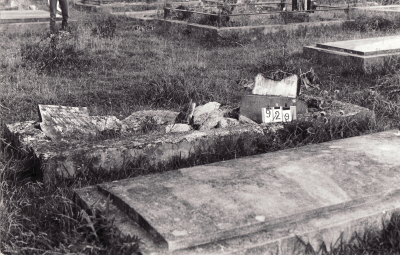 Historic picture of Makaraka cemetery, block MKC, plot 929.