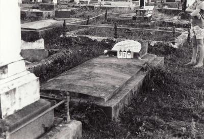 Historic picture of Makaraka cemetery, block MKC, plot 930.