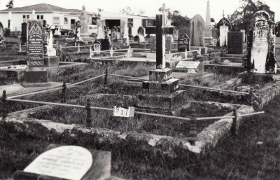 Historic picture of Makaraka cemetery, block MKC, plot 931.