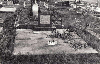 Historic picture of Makaraka cemetery, block MKC, plot 935.
