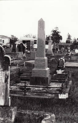 Historic picture of Makaraka cemetery, block MKC, plot 936.