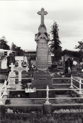 Historic picture of Makaraka cemetery, block MKC, plot 939.