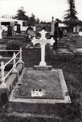 Historic picture of Makaraka cemetery, block MKC, plot 939A.