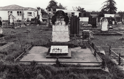 Historic picture of Makaraka cemetery, block MKC, plot 941.
