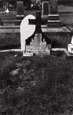 Historic picture of Makaraka cemetery, block MKC, plot 949.