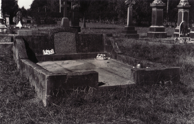 Historic picture of Makaraka cemetery, block MKC, plot 954.