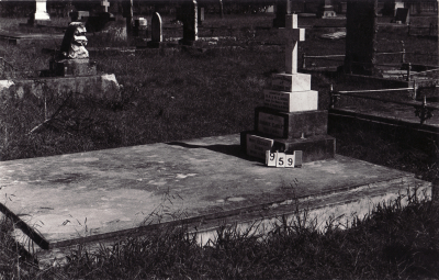 Historic picture of Makaraka cemetery, block MKC, plot 959A.