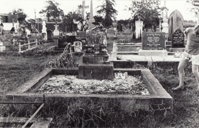 Historic picture of Makaraka cemetery, block MKC, plot 966.