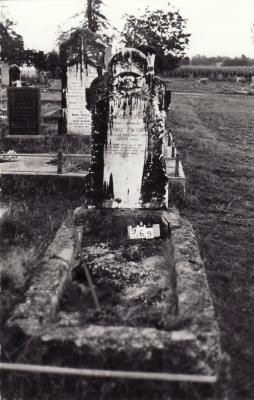 Historic picture of Makaraka cemetery, block MKC, plot 969.