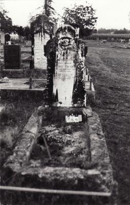 Historic picture of Makaraka cemetery, block MKC, plot 969.