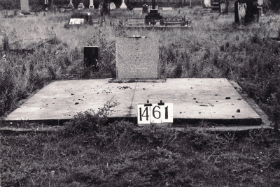 Historic picture of Makaraka cemetery, block MKE, plot 1461.