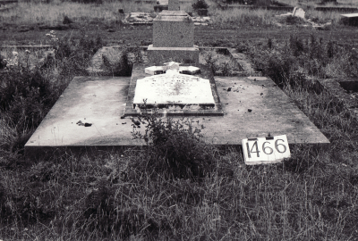 Historic picture of Makaraka cemetery, block MKE, plot 1466.
