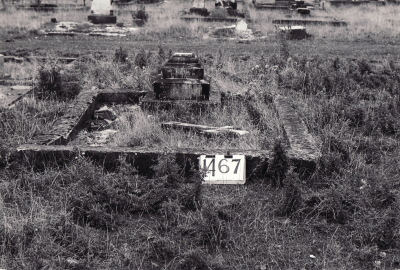 Historic picture of Makaraka cemetery, block MKE, plot 1467.