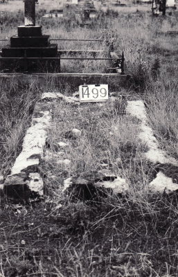 Historic picture of Makaraka cemetery, block MKE, plot 1499.