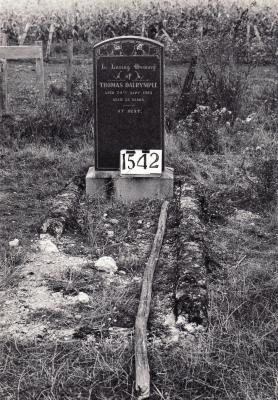 Historic picture of Makaraka cemetery, block MKE, plot 1542.