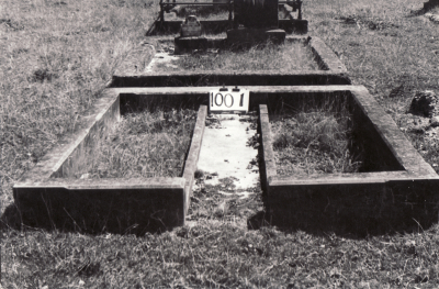 Historic picture of Makaraka cemetery, block MKF, plot 1001.