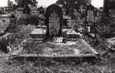 Historic picture of Makaraka cemetery, block MKF, plot 1008.