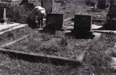 Historic picture of Makaraka cemetery, block MKF, plot 1108.