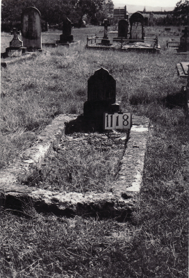 Historic picture of Makaraka cemetery, block MKF, plot 1118.