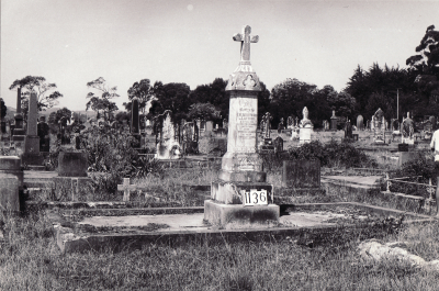 Historic picture of Makaraka cemetery, block MKF, plot 1135.